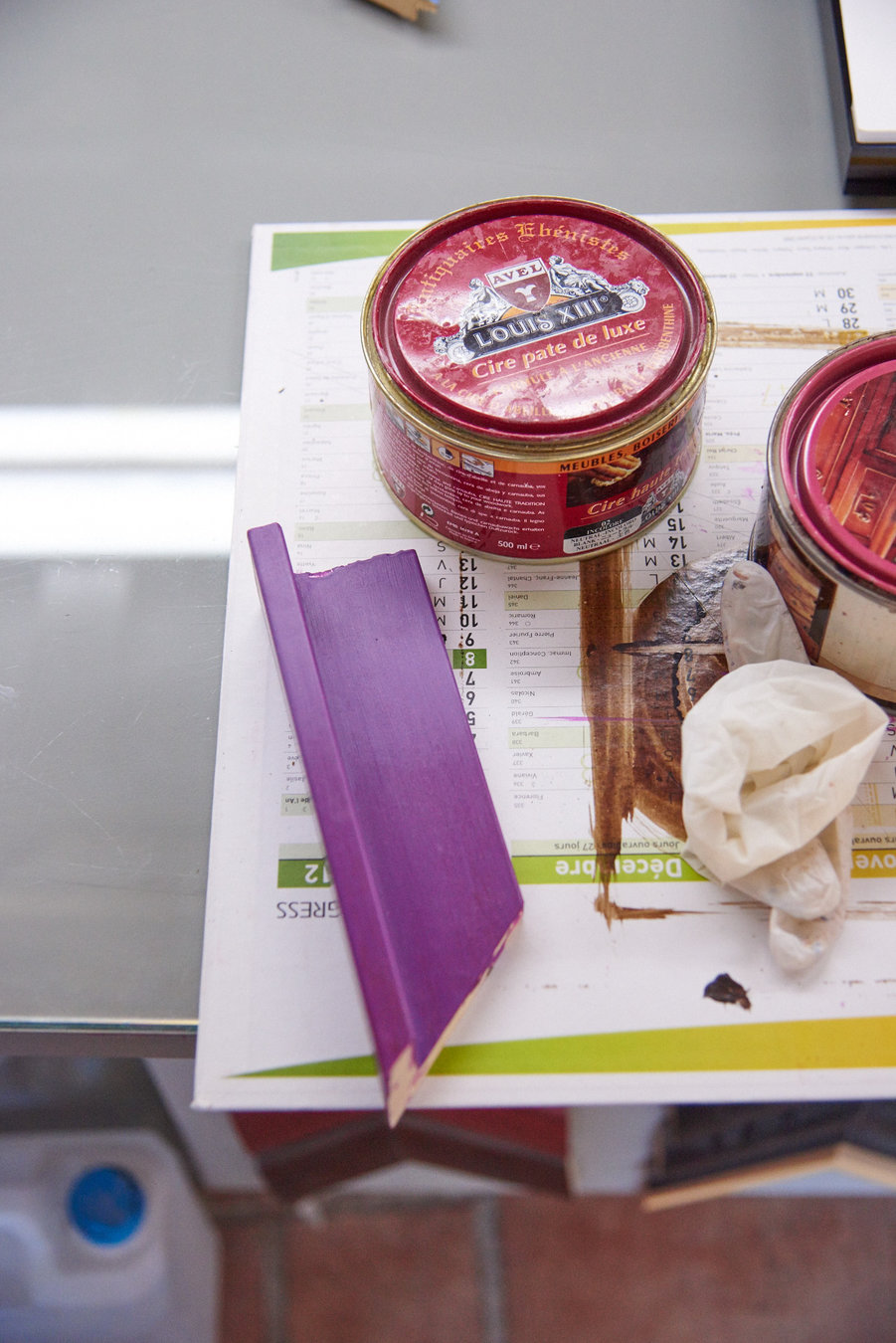 recherche couleur patine sur cadre en caisse américaine par Les Baguettes Magiques, Virginie Breton encadreur à Lyon