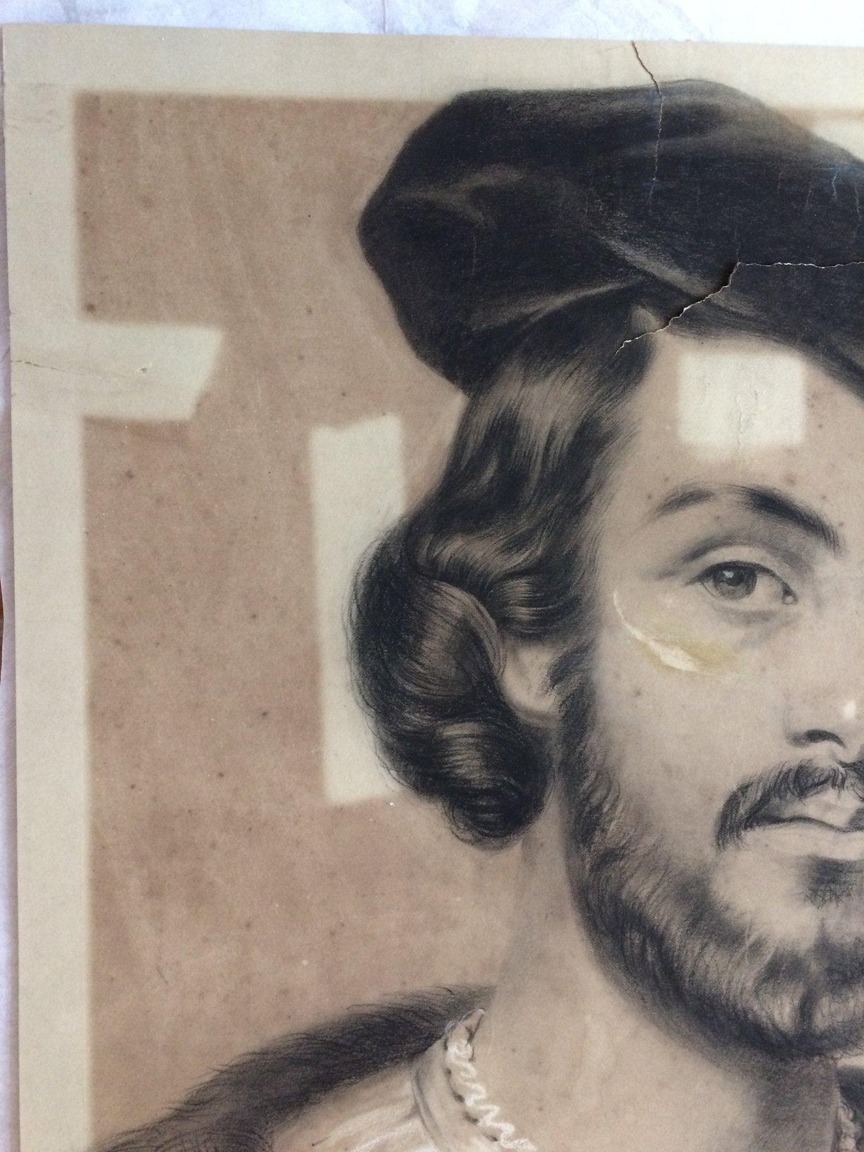portrait au fusain très endommagé avec taches et déchirures a restauré par Les Baguettes Magiques, Virginie Breton restaurateur de papier à Lyon