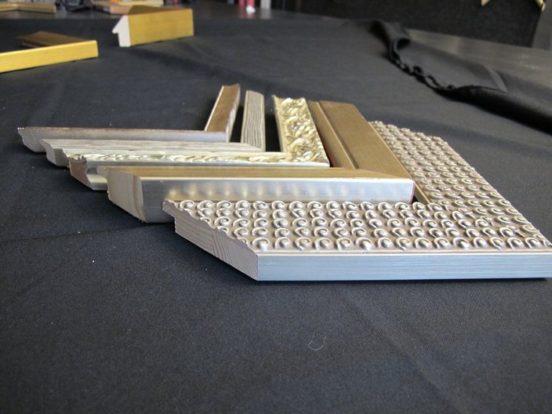 baguettes couleur argent. Atelier d'encadrement Les Baguettes Magiques Lyon Croix-Rousse