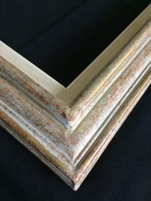 encadrement et restauration lyon détail d'un cadre ancien restauré par l'atelier Les Baguettes Magiques à Lyon Croix-Rousse
